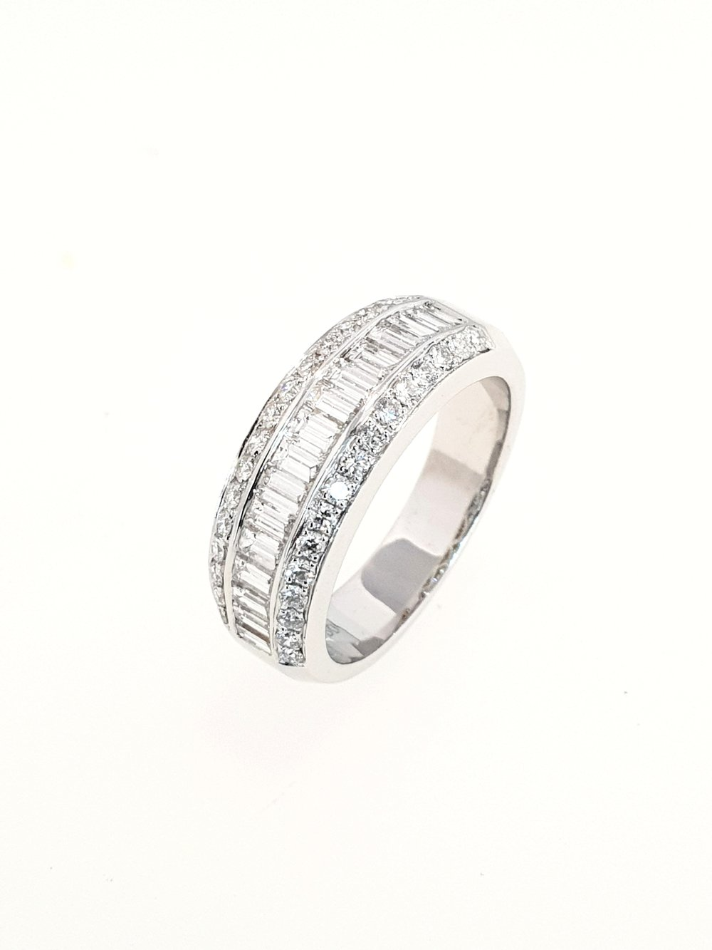 18ct White Gold 3 row Diamond Ring  1.13ct, G, SI1  Stock Code: N8924  £3500