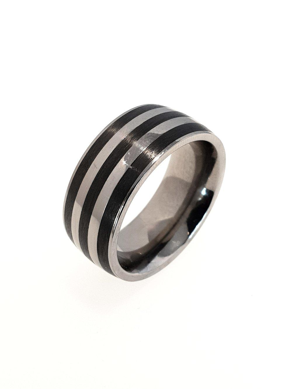 Carbon Fibre & Titanium Ring    Titan Factory (Model: 52484/000/000/050)   Current Stock Size:  Stock Code: E9858  £135