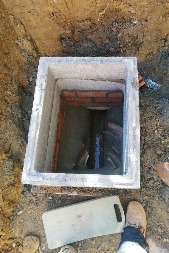 property-renovations-garden-building-redford-road-horsham-west-sussex-manhole-cover-build-over-567.jpg