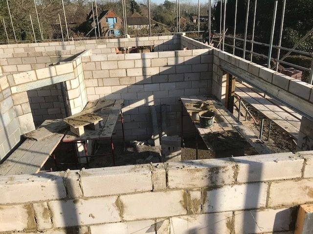 house-building-poppits-ardingly-brickwork-up-to-first-floor-1-480.jpg