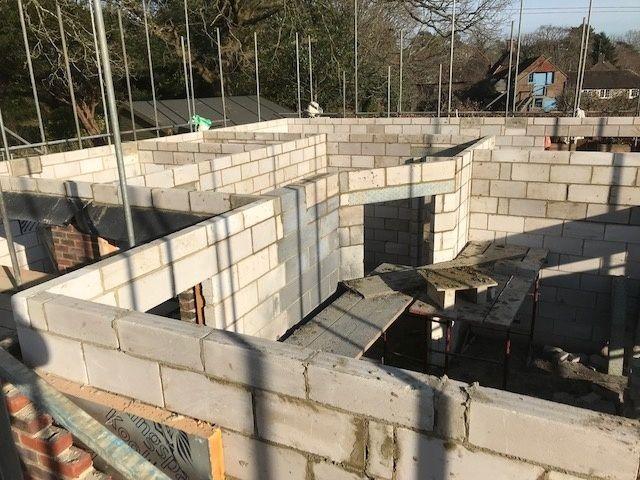 house-building-poppits-ardingly-brickwork-up-to-first-floor-2-480.jpg