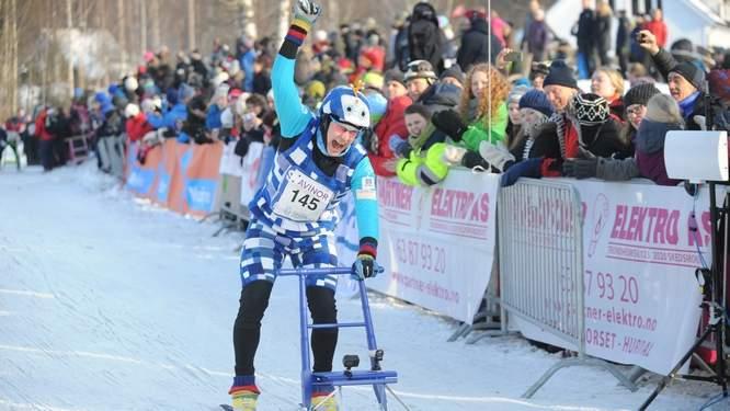 Markku Levänen passerer her målstreken i full jubel. Finnen vant for tredje gang lørdag. Foto: EUB.no – Tom Erik Paulsen