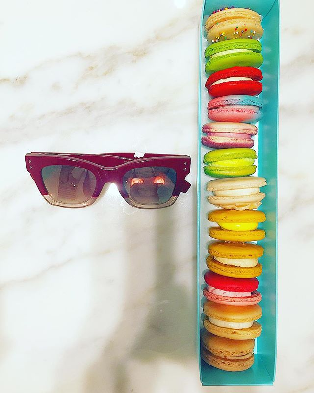 This is how we test color vision at Windsor Eye Care 😉 #yummy #macaronqueen #eyedoc thank you @adonesmajor for the delicious gift! 😋