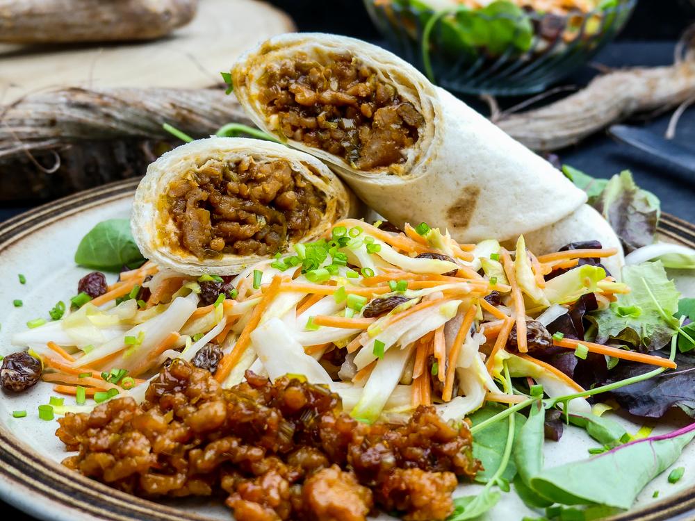 Snelle kip gehakt wraps met BBQ, honing en Teriyaki smaak
