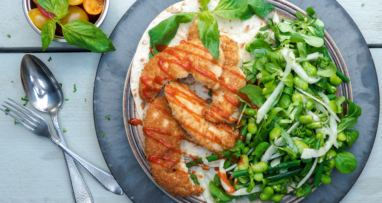 Verwonderend Krokante kip met een frisse en groene salade in een wrap JQ-65