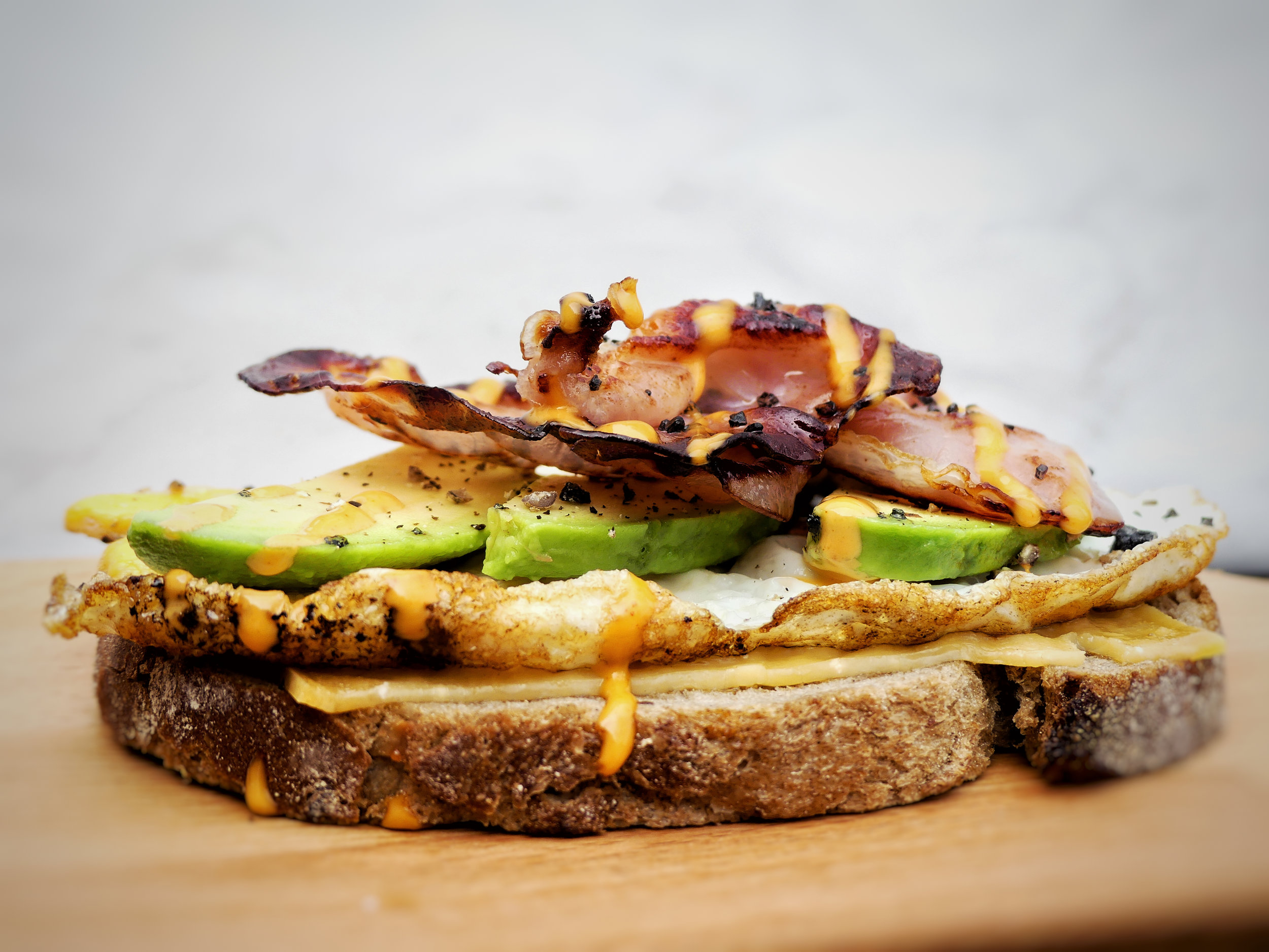 Spiksplinternieuw Oerbrood, melted old cheese, fried egg, avocado & bacon CI-28