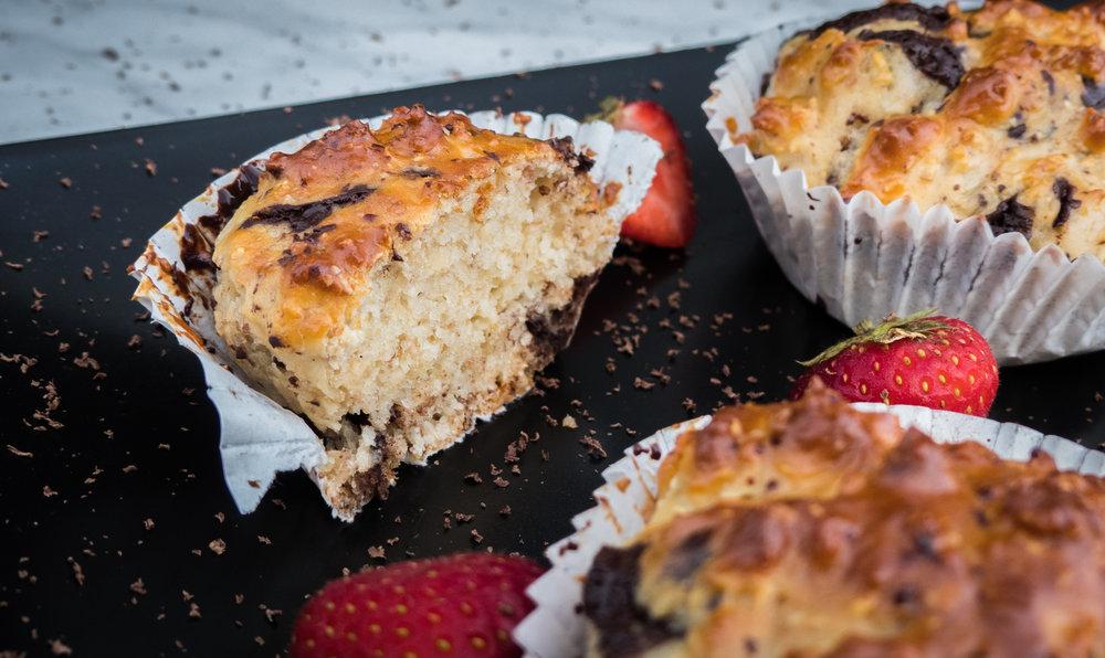 Vanilla, chocolate, coco and strawberry cupcakes4.jpg