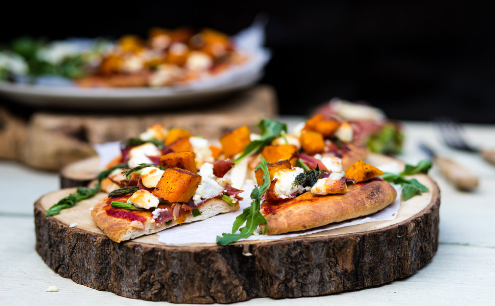 *Naan Pizza met Pompoen, Geitenkaas, Seranoham & aspere punten2.jpg