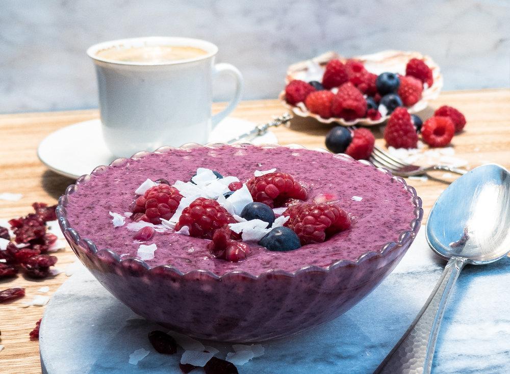 Protein & fruit smoothie bowl