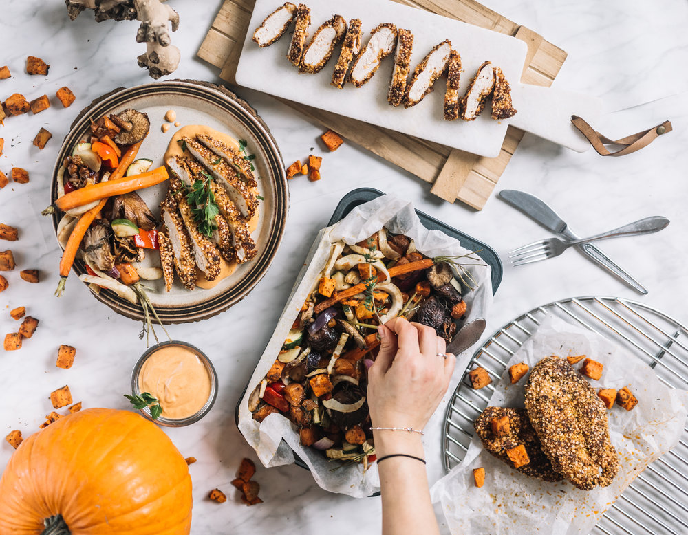 "Krokante (Quinoa) Kip, ""Smokey"" BBQ Paprika Mayonaise & Groente ovenschaal NOV 20174.jpg"