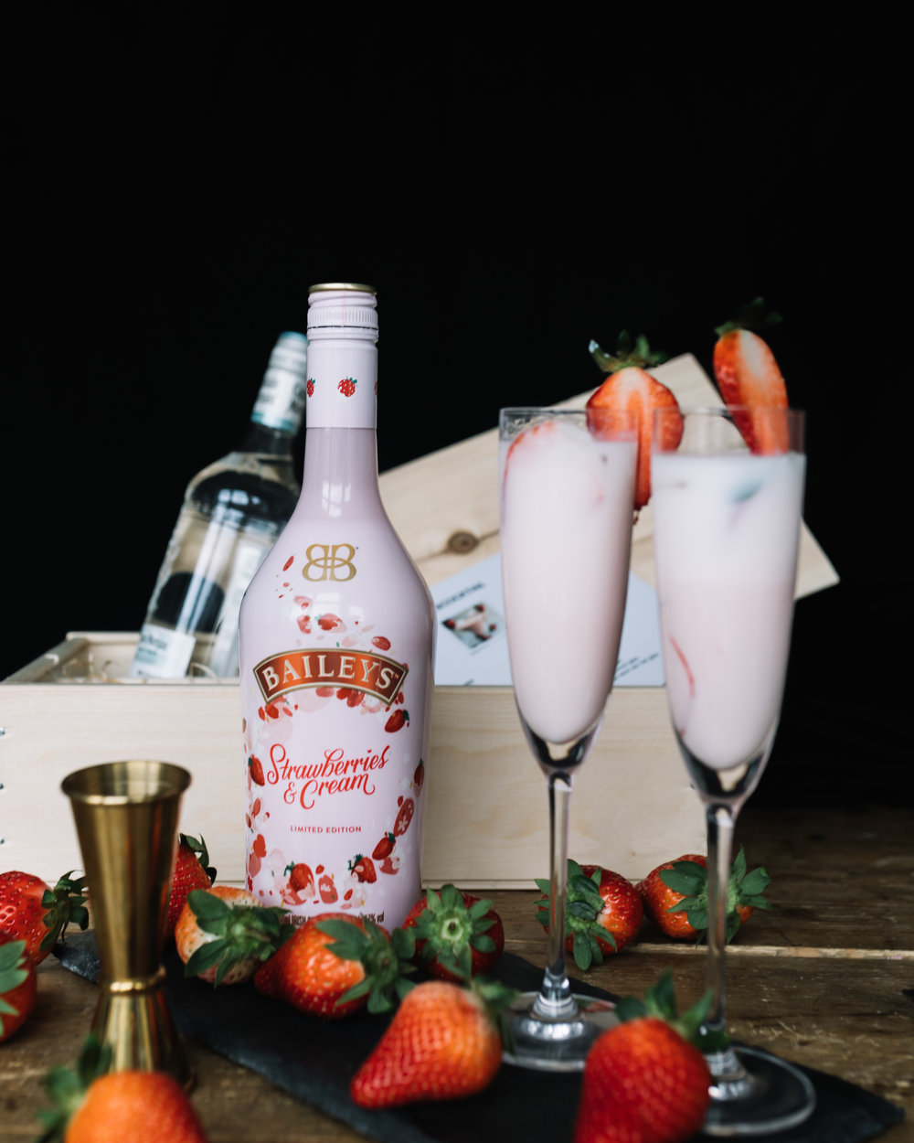 Baileys Strawberries 2019n- Lets Cocktail10.jpg