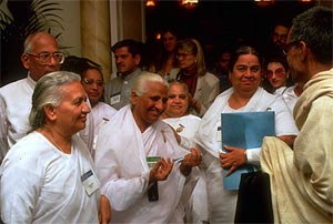 Brahma Kumaris sisters arriving at the Parliament of the World's Religions in Chicago in 1993. Photo: CPWR