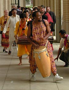 Masanko Banda's drum led the long procession of religious leaders from dozens of faiths who signed the URI Charter, June 27, 2000 in Pittsburgh, Pennsylvania. Photo: Rowan Fairgrove