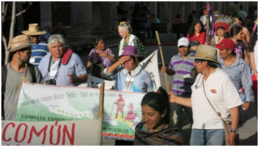 Doris (middle rear, with a white scarf) marching with the indigenous leaders arriving in Guadalajara on May 5. – Photo: TIO