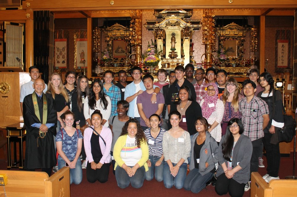 IYCLAC members visit a Chinese Buddhist temple. - Photo: New Vision Partners