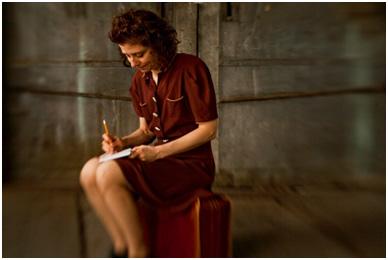 Susan Stein as Etty Hillesum – Photo: Ricardo Barros