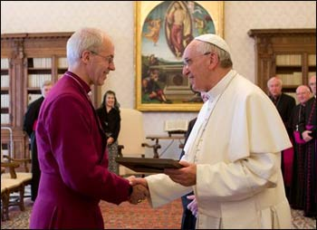 Archbishop of Canterbury Justin Welby and Pope Francis meeting for the first time. – Photo: archbishopofcanterbury.org