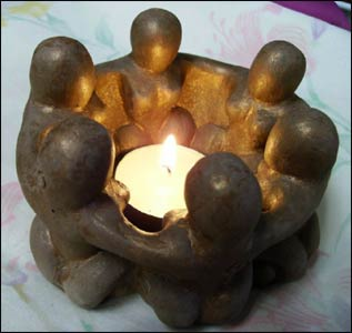 Circle of Wise Women Candlelamp – Photo: goddessgift.net