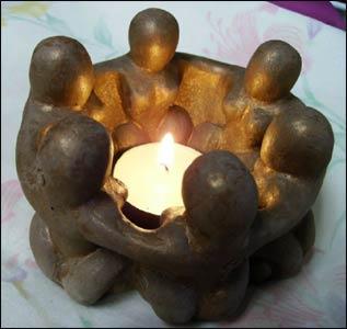 Circle of Wise Women Candlelamp – Photo: goddessgift.net