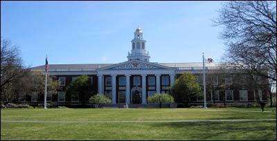 Harvard Business School – Photo: Wikipedia