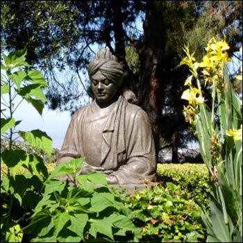 Swami Vivekananda Statue at Ramakrishna Monastery, California – see Jeffrey's Long's story about Vivekananda and pluralism.