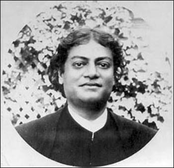 Vivekananda in Alameda, California, 1900 – Photo: oldindiaphotos.in