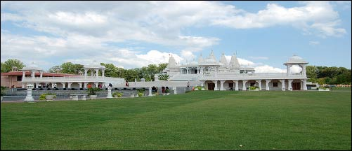 The Shri Swaminarayan Mandir Hindu Temple in Atlanta – Photo: Wikimedia