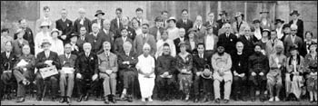 Participants at the 1933 World Fellowship of Faiths. Photo: Mahanam.org