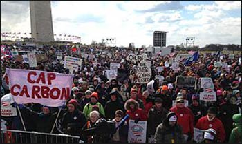 On Feb. 17, 2013, 35-50,000 gathered in Washington D.C. to protest the proposed Keystone XL pipeline, a rare massive demonstration addressing climate change and fossil fuel. Photo: Wikimedia