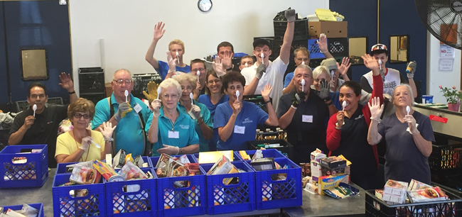 Volunteers at the Interfaith Food Center in southern California – Photo:  interfaithfoodcenter.org