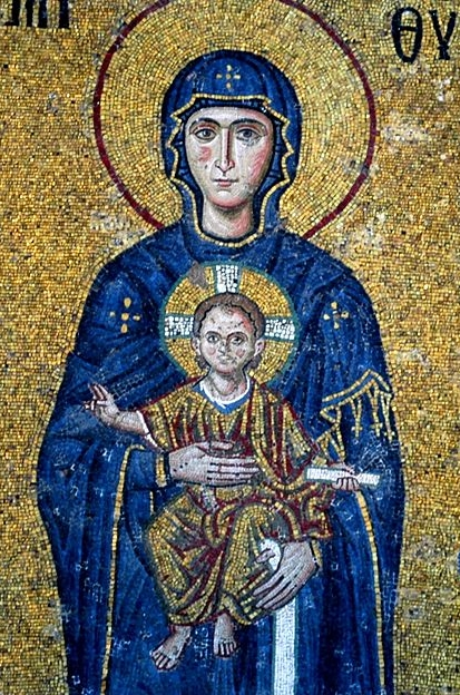 A mosaic of the Virgin Mary and Jesus from the Hagia Sophia cathedral in Istambul (c. 1118 CE) – Photo: Wikimedia,  Josep Renalias, Cc.3.0