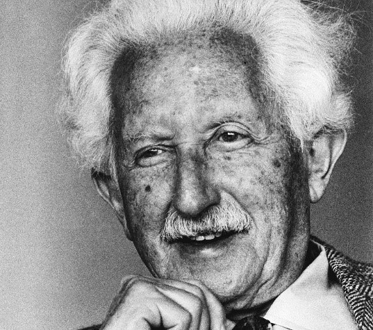 Erik Erikson – Photo:    erikerikson.org
