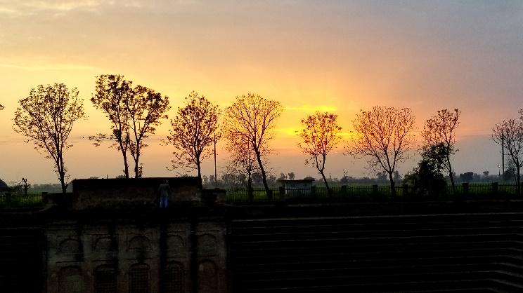 Sun sets over Pakistan – Photo: Tarunjit Singh Butalia