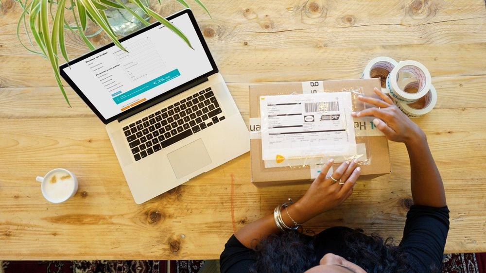 Plak het verzendlabel op jouw buitenlandse pakketzending
