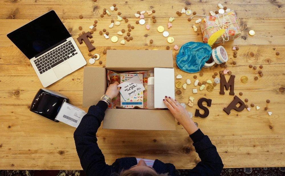 Sinterklaas pakket inpakken en versturen met MyParcel