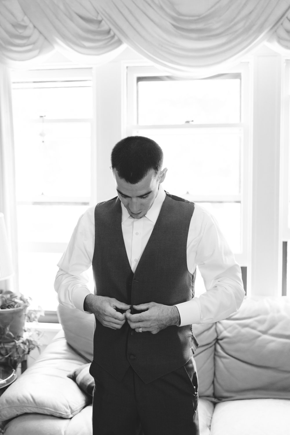 Best_Buffalo_NY_Wedding_photographer_015.jpg