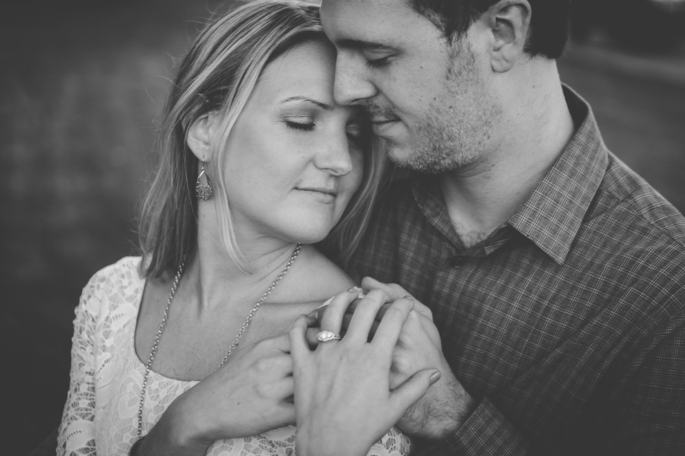 Buffalo-Engagement-Portrait-Photographer_007.jpg