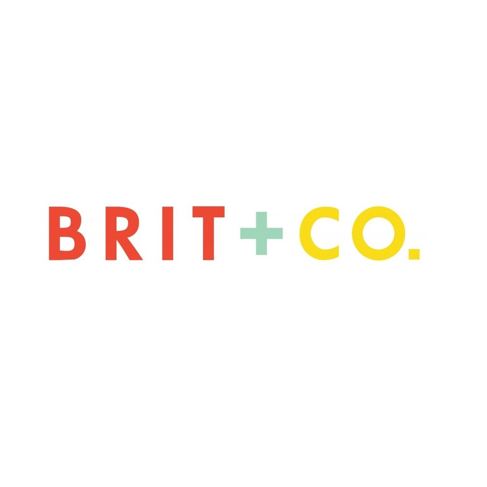 """How to Maximize Your Cash Wedding Registry and Avoid Those Hidden Fees!""   R  EAD MORE AT BRIT + CO"