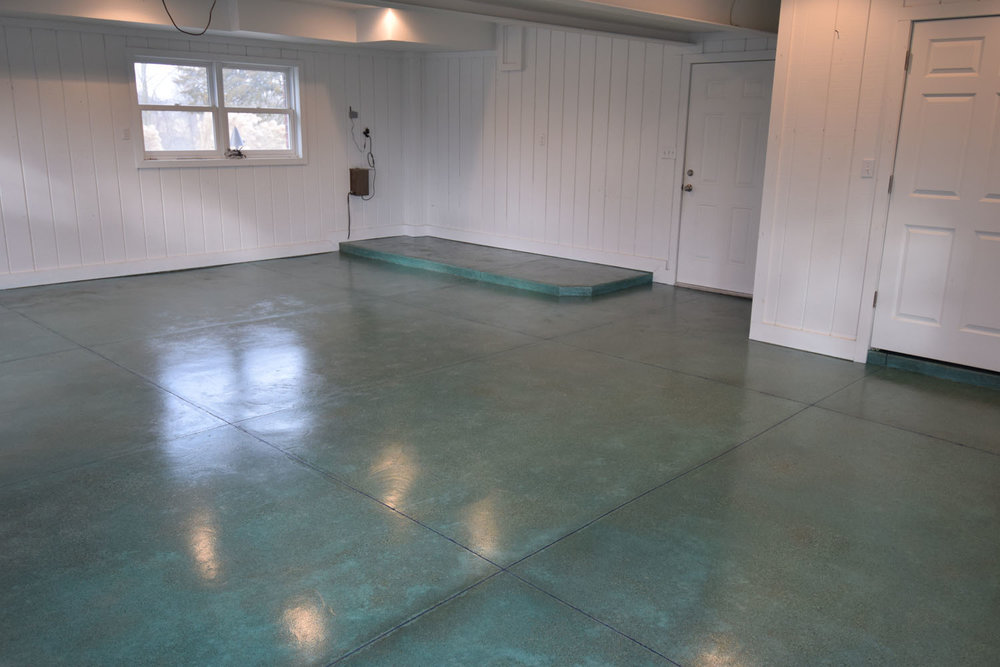 Acid-Stained Garage Concrete Floor.  Brickform Blushtone