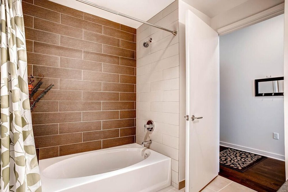 09_Bathroom_2.jpg