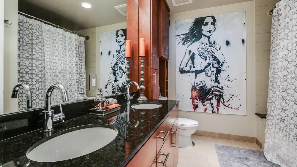12Spire #1715 Bathroom (7).jpg
