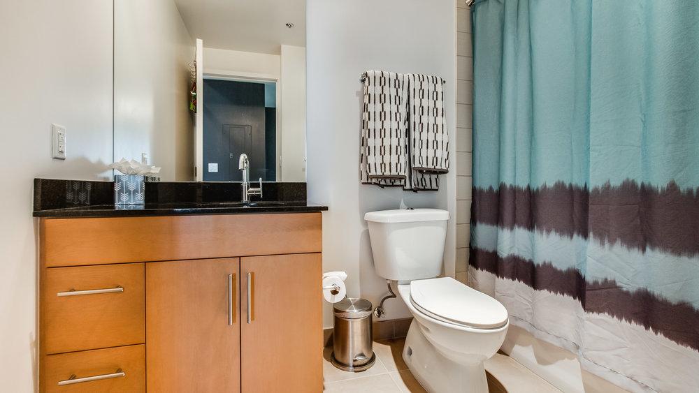 12_Spire 2903 Bathroom .jpg