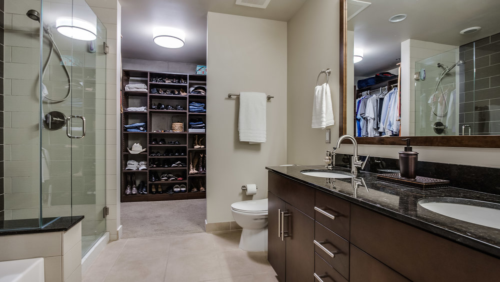 15_Spire 3903 Master Bathroom(24).jpg