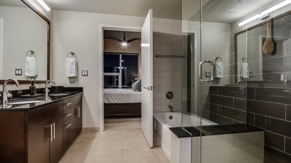 16_Spire 3903 Master Bathroom(26).jpg