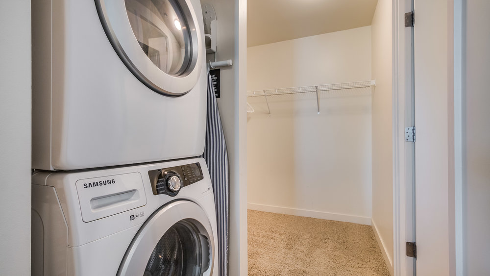 14_Spire 1911 Laundry and Closet (15).jpg