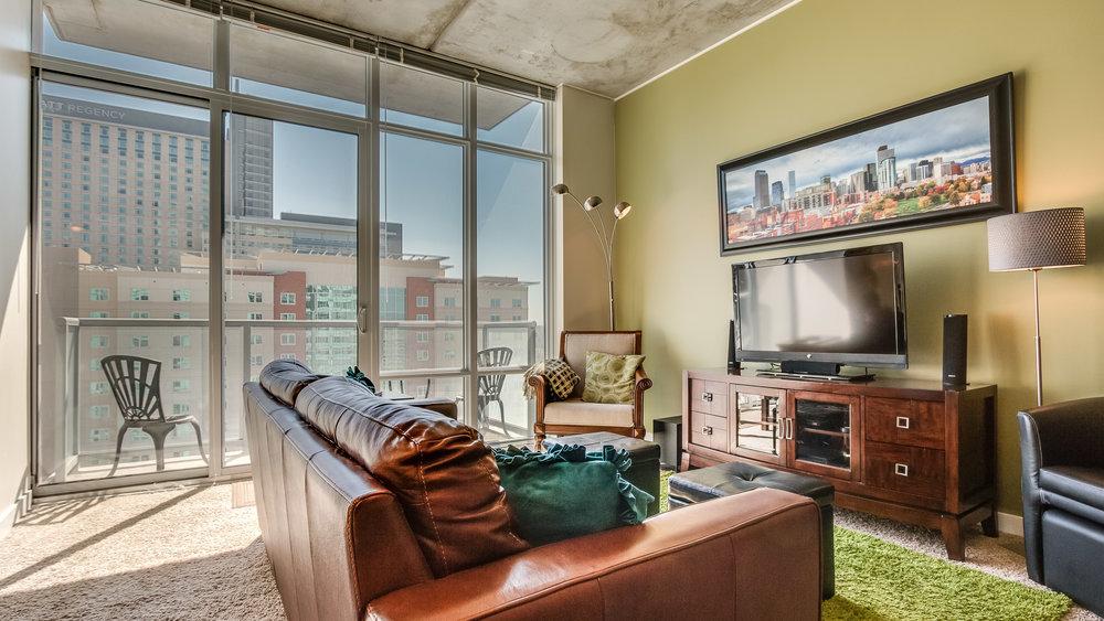 Spire 1911 Living Room (18).jpg