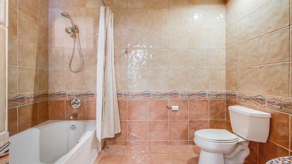 18_1020 15th St. Master Bathroom 2 #213 (25).jpg