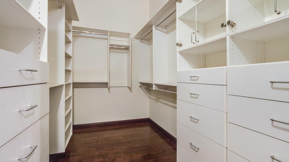 24_1020 15th St. Bedroom 3's Closet #213 (29).jpg