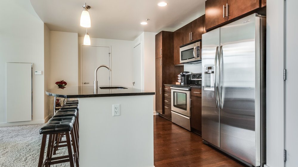 05_Spire 1407 Kitchen (8).jpg