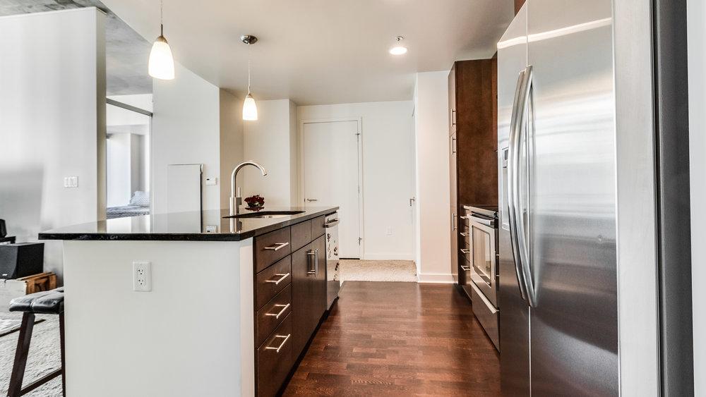 06_Spire 1407 Kitchen (9).jpg